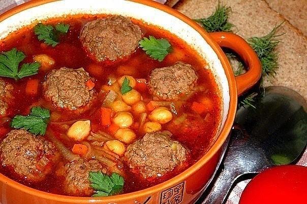 1-74 Томатный суп с мясными фрикадельками и нутом