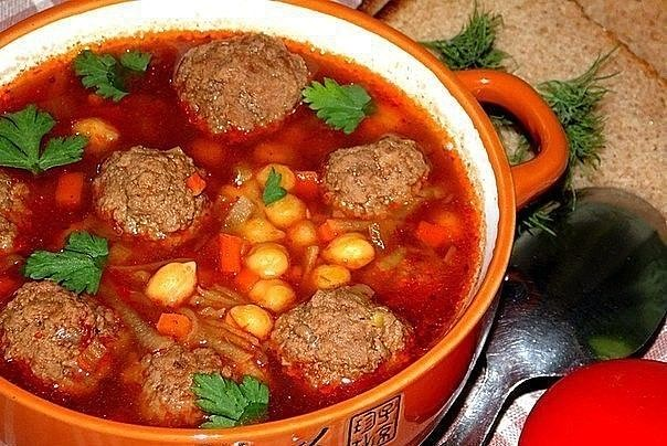 1-121 Томатный суп с фрикадельками