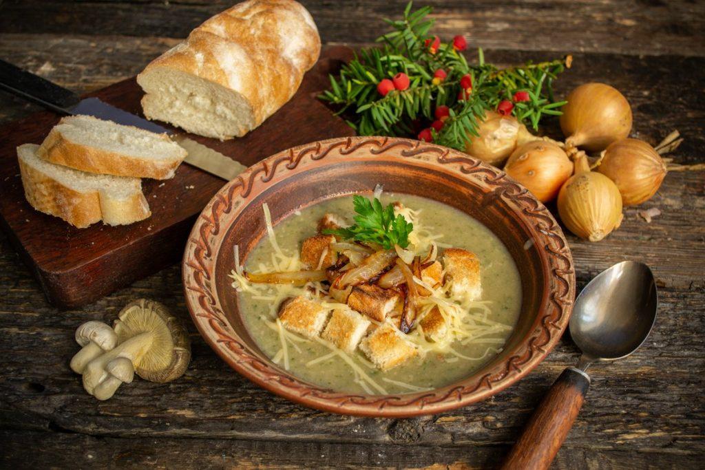 1-13-1024x683 Грибной крем-суп с гренками