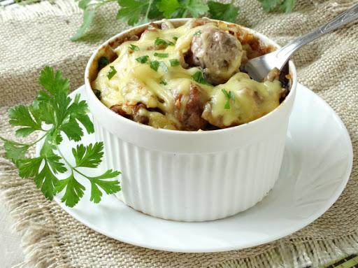 1-9 Фрикадельки с картошкой и грибами под сыром