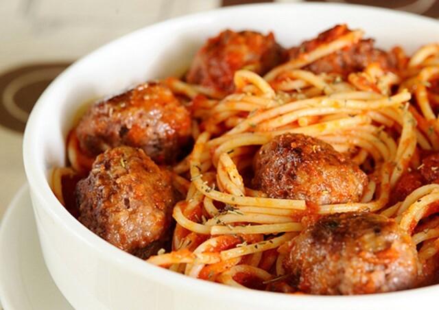1-44 Спагетти с мясными шариками в томатном соусе