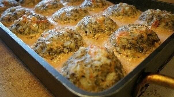 1-18 Тефтели с грибами в томатно-сметанном соусе