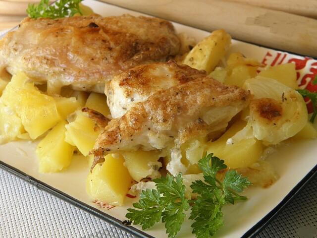 i-2021-01-05T164434.660 Картошка с курицей в духовке под соусом