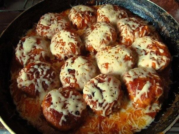 i-2021-01-06T212905.379 Куриные тефтельки в томатно-сливочном соусе под сыром