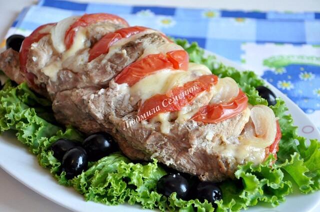 i-2021-01-23T225603.932 Свиная шейка, запеченная с сыром и помидорами
