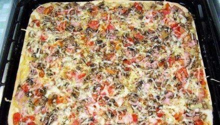 Как приготовить пиццу с тонкой хрустящей основой за 20 минут.